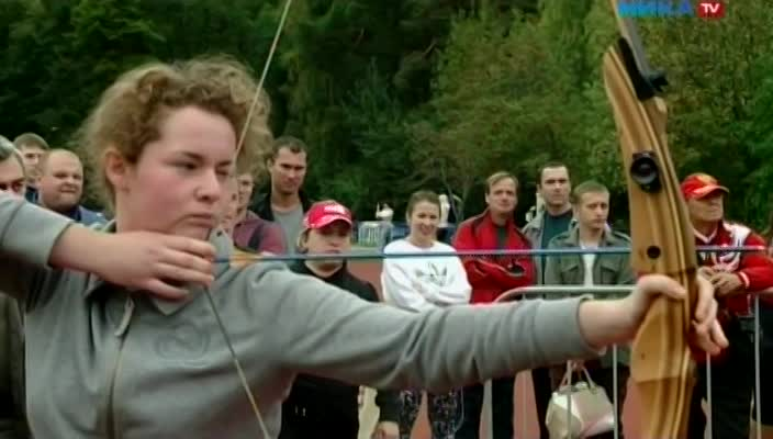 В Анненках прошел фестиваль спорта, в котором участвовало 14 команд исполнительной и законодательной власти