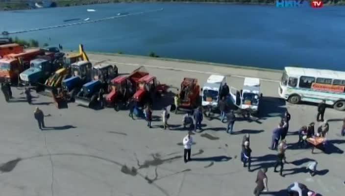 Парад коммунальной техники прошел на Яченском водохранилище