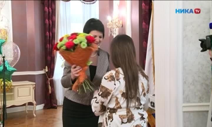 Многодетные мамы из Калуги принимают поздравления с наступающим праздником