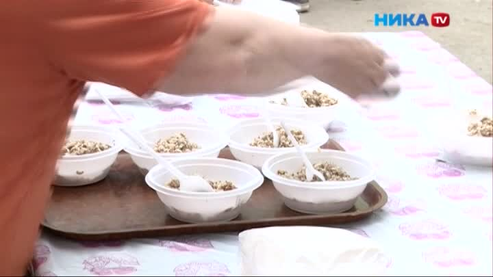 Перед концертом ко Дню Победы калужан накормили блюдами полевой кухни