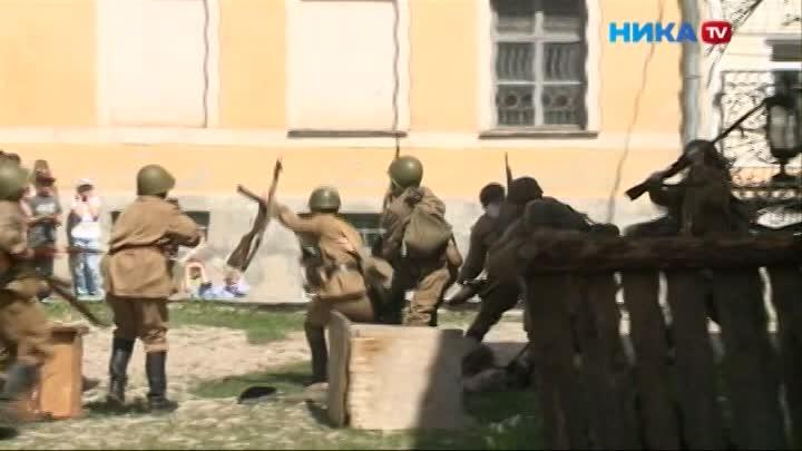Во дворике Краеведческого музея в День Победы было шумно