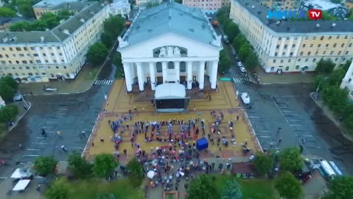 Настроение несмогла подпортить даже погода: Страна отмечает День России