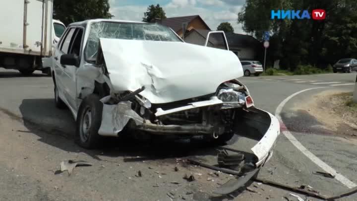Водитель Лады нарушил ПДД иотправил другую машину вкювет