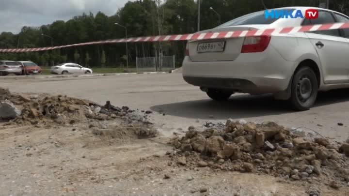 Хитрый бизнес: Жители вынуждены платить засвоиже парковки